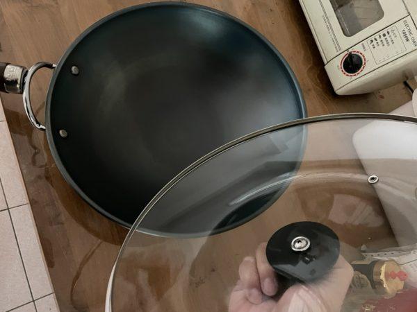 從不沾鍋到生鐵鍋的心得分享與比較,好的鐵鍋也能不沾黏|阿媽牌生鐵鍋